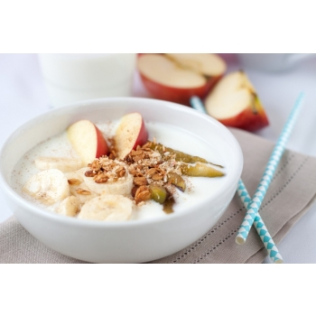healthy-breakfast-with-fruits-and-cereals_1220-51[1].jpg